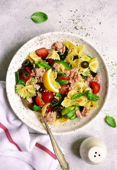 Posna salata sa tunjevinom i boranijom