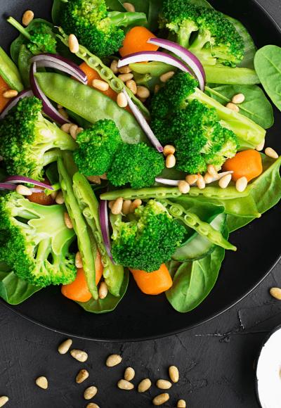 salata od brokolija i zelene boranije 1200x1200px